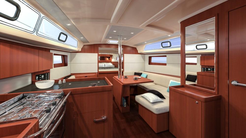 Rental yacht Fethiye - Bénéteau Oceanis 411 on SamBoat