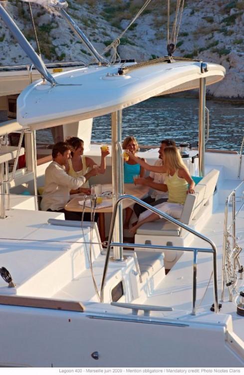 Boat rental Lagoon Lagoon 400 - 4 + 2 cab. in Peloponnese on Samboat