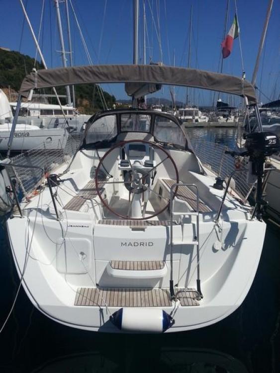 Boat rental  cheap Sun Odyssey 33i