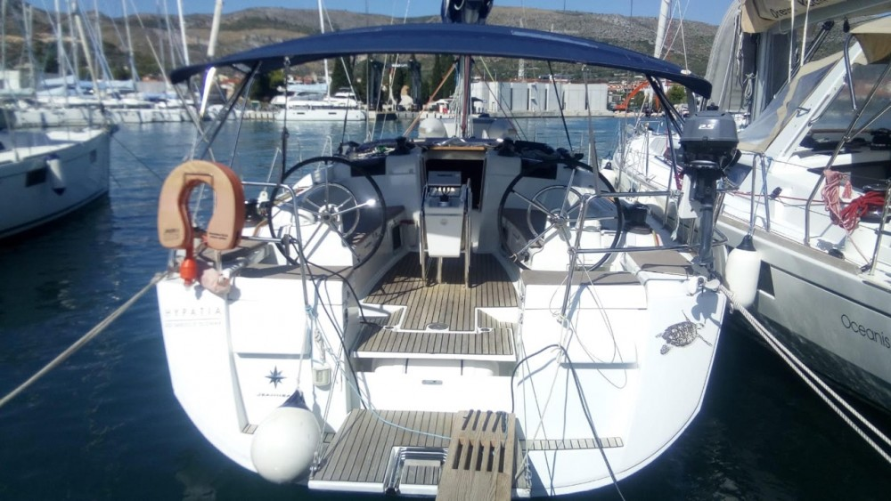 Hire Sailboat with or without skipper Jeanneau Terranoa/Olbia