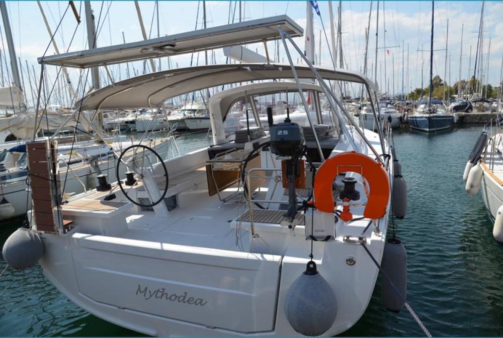 Rent a Bénéteau Oceanis 51.1 Peloponnese