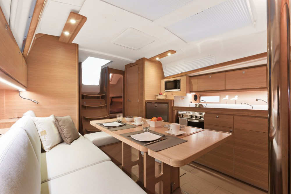 Dufour Dufour 382 Grand Large between personal and professional
