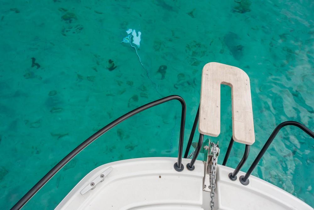 Boat rental Grad Pula cheap Flyer 8 SUNdeck