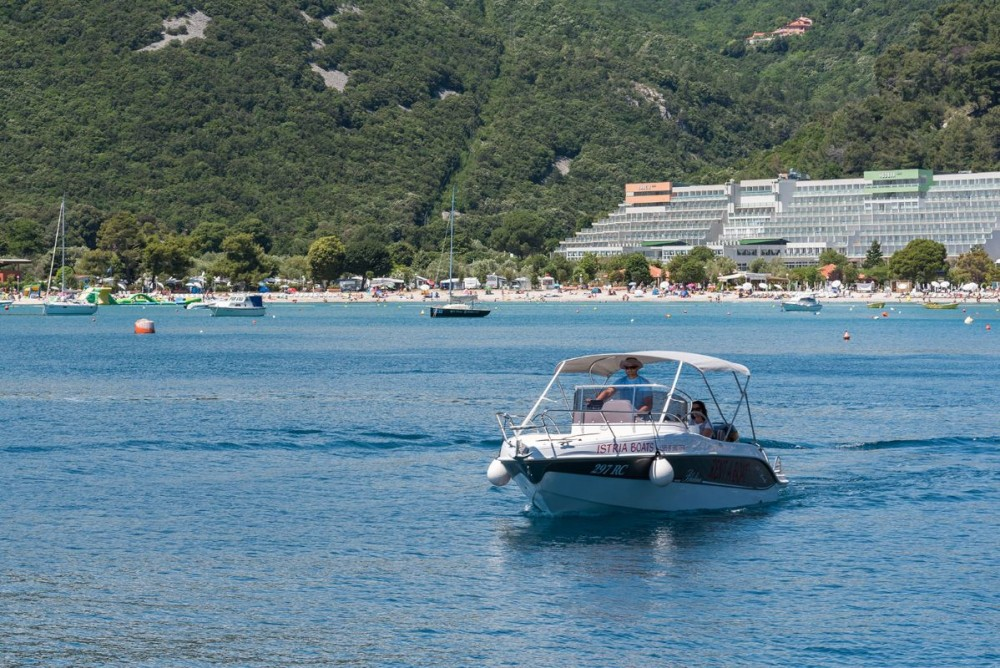 Rental yacht Grad Pula - Blumax (Bluline) Bluline 23 Sundeck on SamBoat