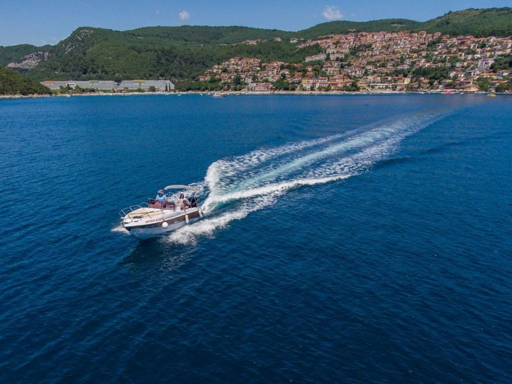 Boat rental Pula cheap Bluline 23 Sundeck