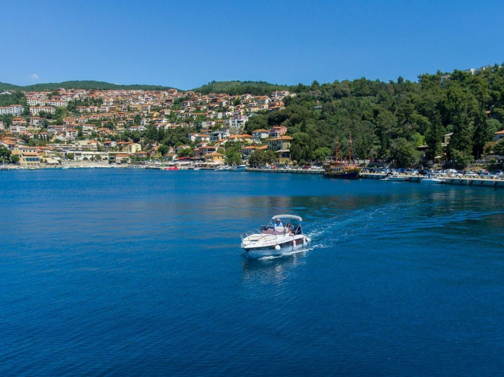 Motor boat for rent Pula at the best price
