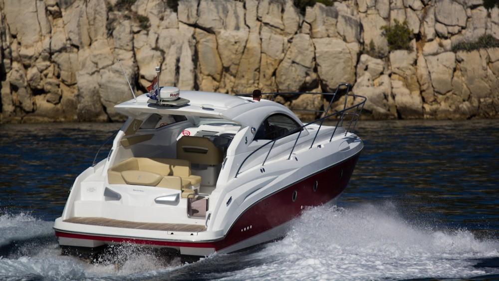 Boat rental Bénéteau Monte Carlo 37 Hard Top in Croatia on Samboat