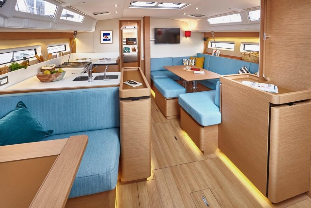 Rental Sailboat in  - Jeanneau Sun Odyssey 490 - 5 + 1 cab.