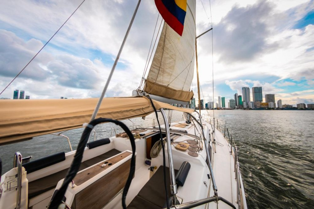Dufour Dufour 450 GL between personal and professional Cartagena