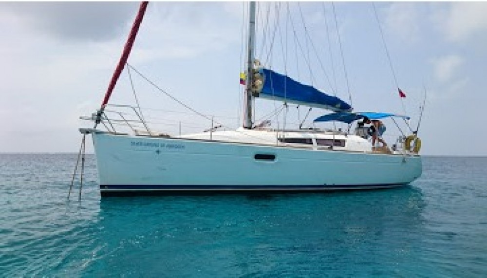 Hire Sailboat with or without skipper Jeanneau Cartagena
