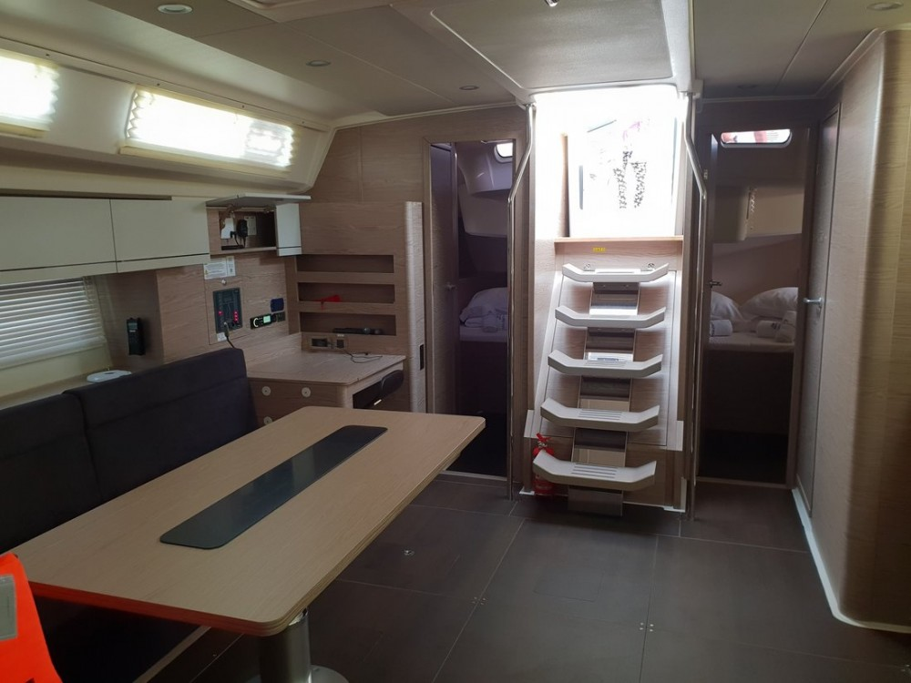 Boat rental  cheap Hanse 508 - 5 + 1 cab.