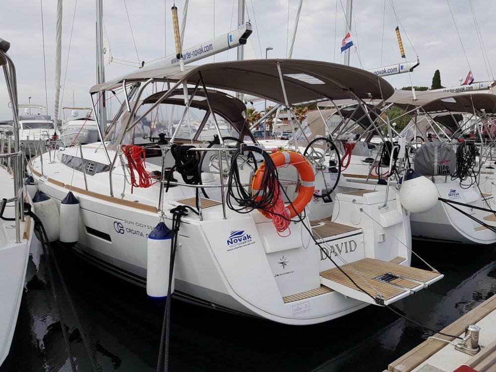 Boat rental Jeanneau Sun Odyssey 409 in Croatia on Samboat