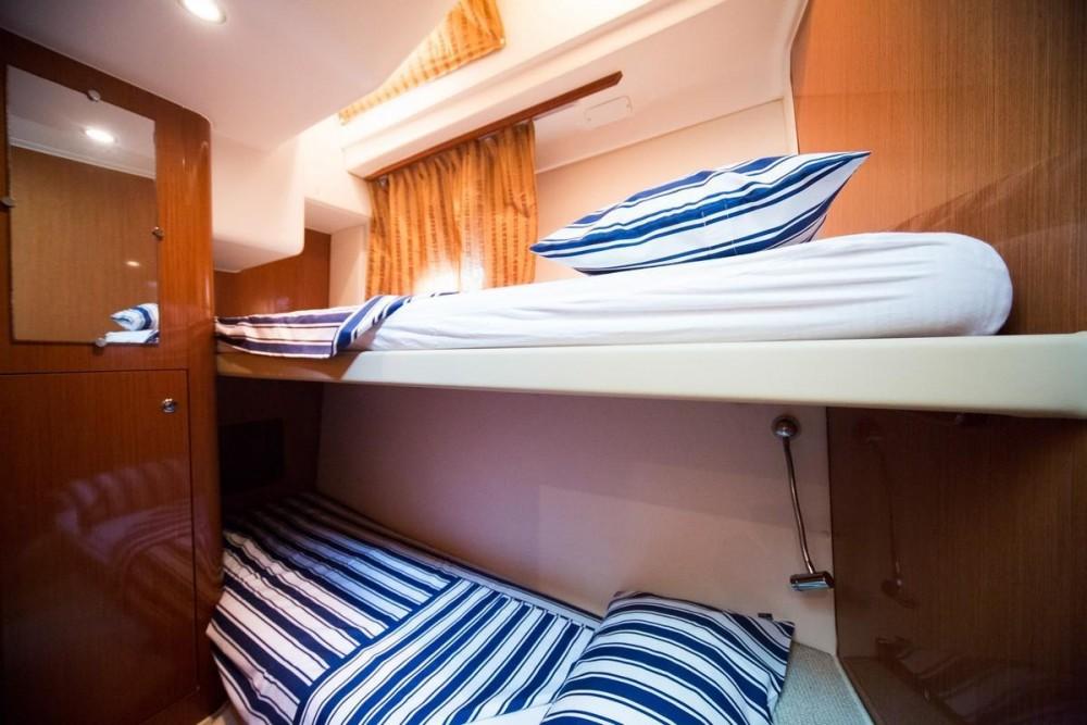 Rental yacht Croatia - Jeanneau Prestige 42 Fly on SamBoat