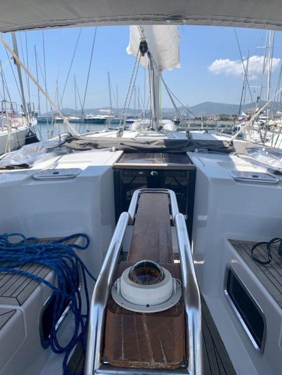 Boat rental Croatia cheap Hanse 445