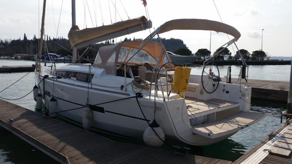 Boat rental Dufour Dufour 410 GL in Croatia on Samboat