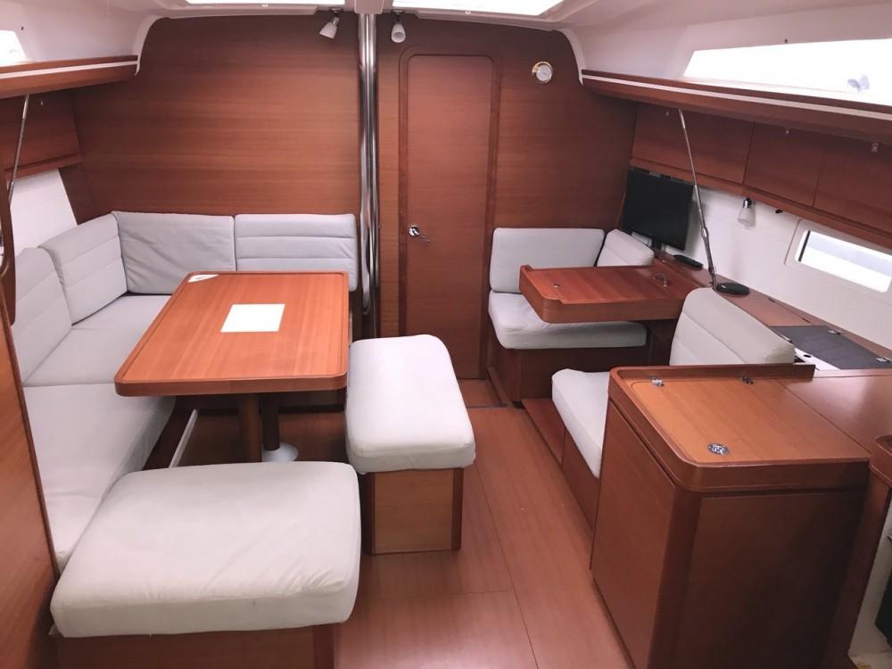 Rental yacht Croatia - Dufour Dufour 410 GL on SamBoat