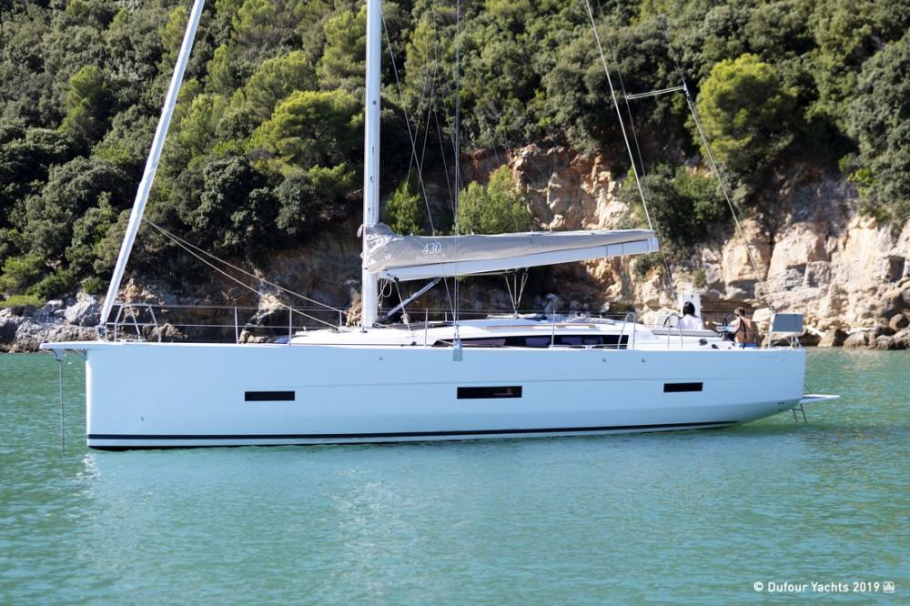 Boat rental Croatia cheap Dufour 43