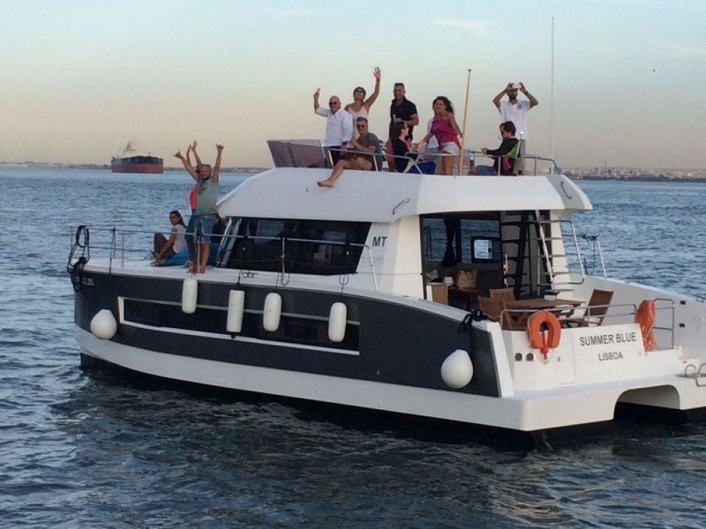 Boat rental Fountaine Pajot My 37 in Lisbon on Samboat
