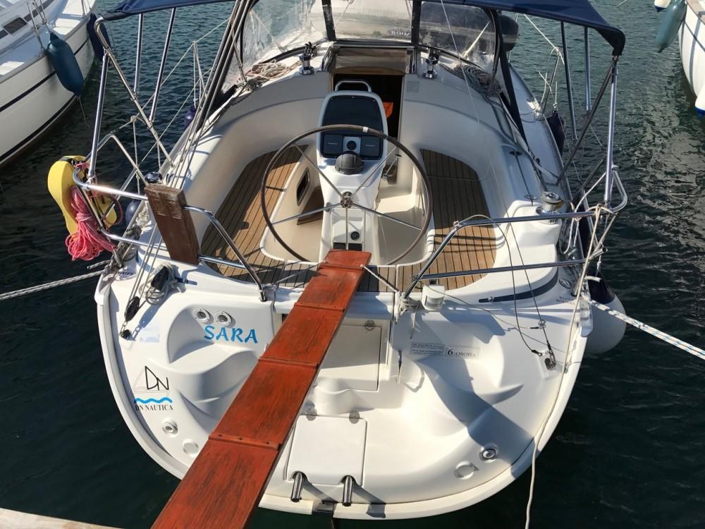 Rental yacht  - Bavaria Cruiser 30 on SamBoat
