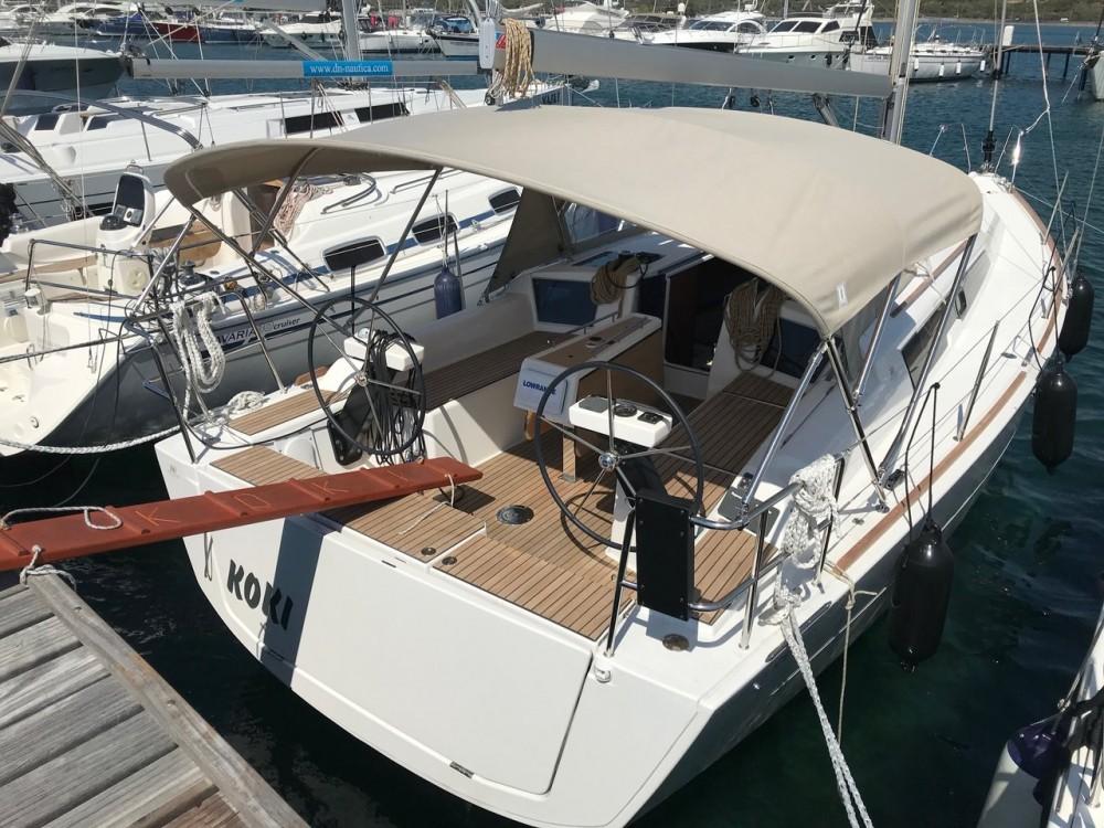 Boat rental Dufour Dufour 360 GL - 3 cab. in Croatia on Samboat