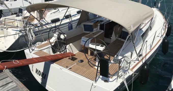 Rental Sailboat in Punat - Dufour Dufour 360 Grand Large