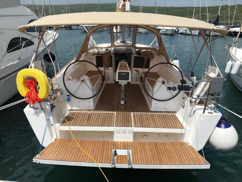 Boat rental Dufour Dufour 382 Grand Large in Croatia on Samboat