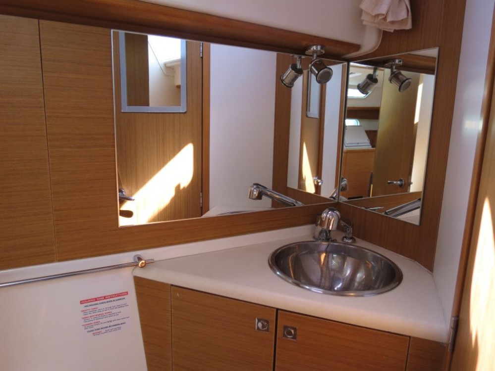 Jeanneau Sun Odyssey 44i between personal and professional Peloponnese