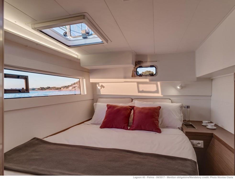 Rental yacht Peloponnese - Lagoon Lagoon 40 - 4 + 2 cab  on SamBoat