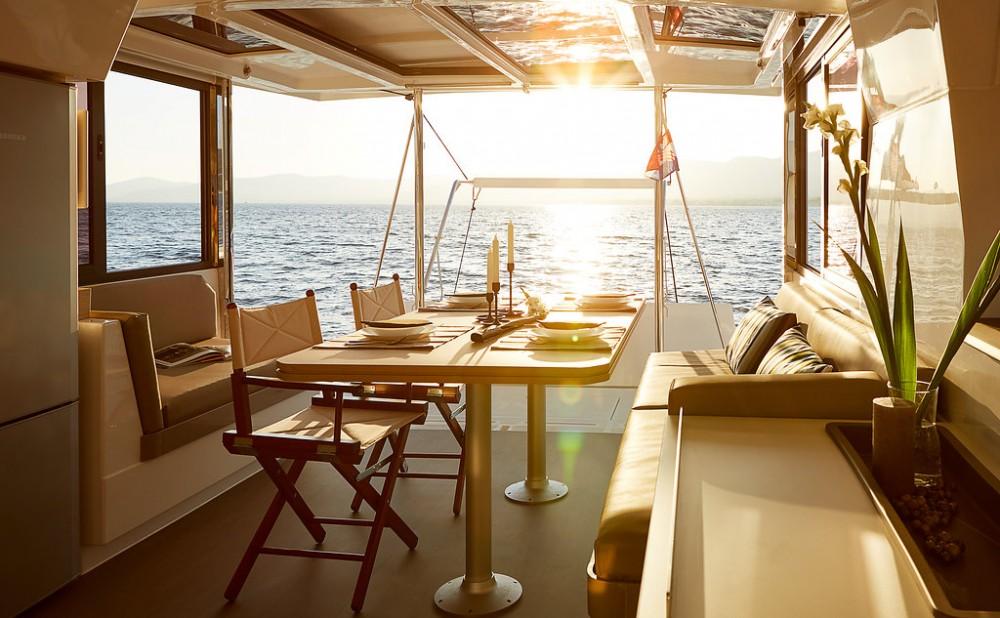 Hire Catamaran with or without skipper Catana Croacia