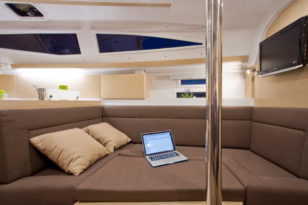 Boat rental Croatie cheap Elan Impression 35