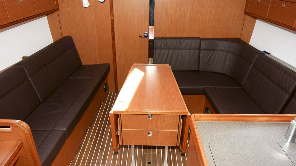 Rental Sailboat in Rogoznica - Bavaria Cruiser 37