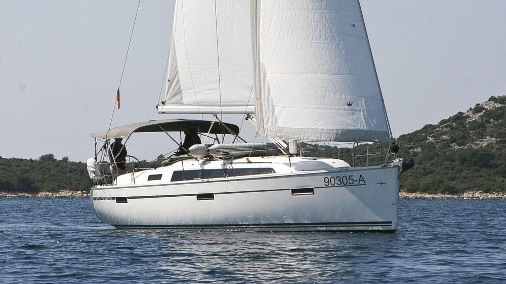 Rent a Bavaria Cruiser 37 Rogoznica