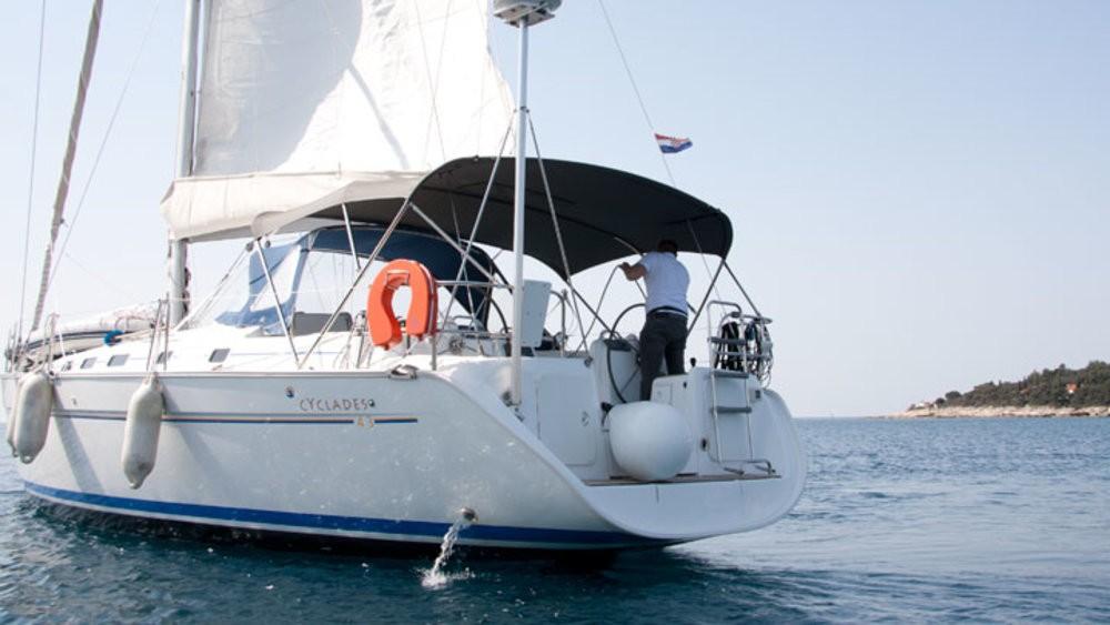 Boat rental Bénéteau Cyclades 43.3 in Grad Pula on Samboat