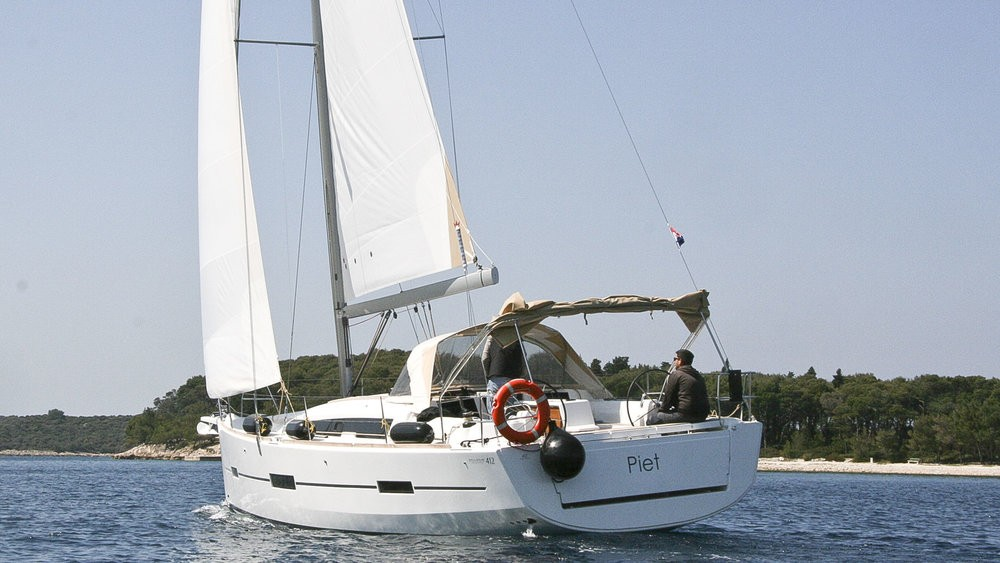 Boat rental Dufour Dufour 412 Grand Large in Rogoznica on Samboat