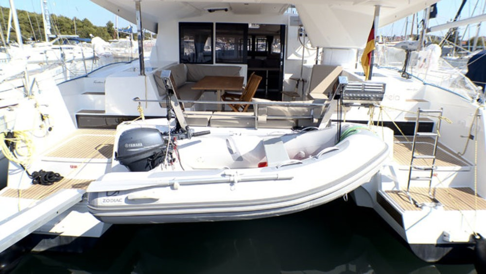 Rental yacht Grad Pula - Fountaine Pajot Lucia 40 on SamBoat