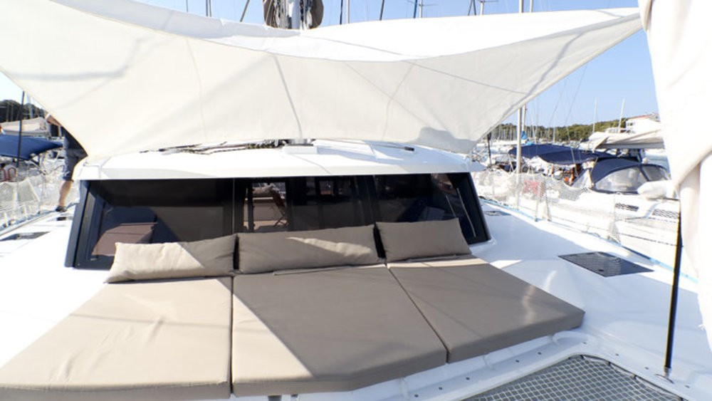 Boat rental Fountaine Pajot Lucia 40 in Grad Pula on Samboat