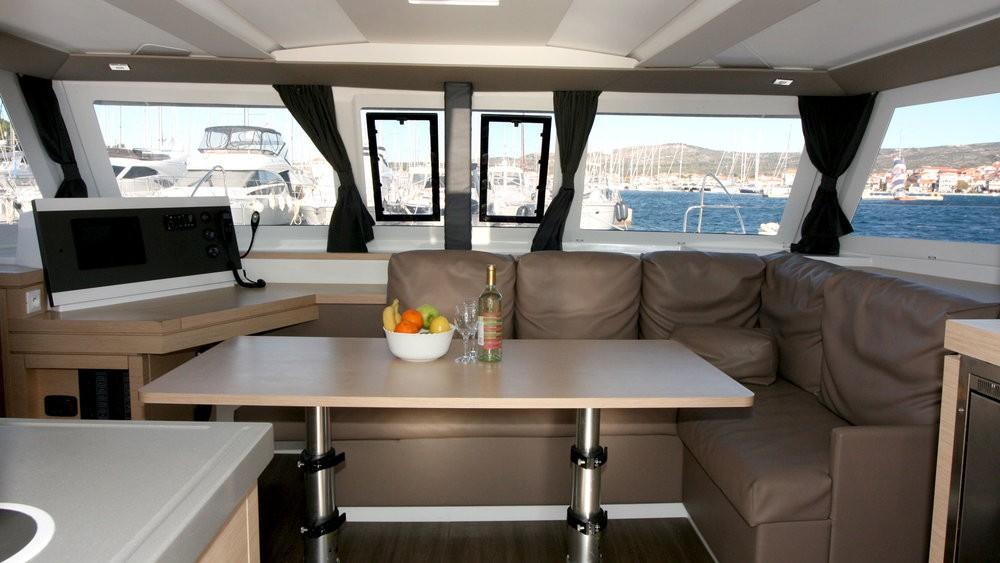 Rental Catamaran in Rogoznica - Fountaine Pajot Lucia 40