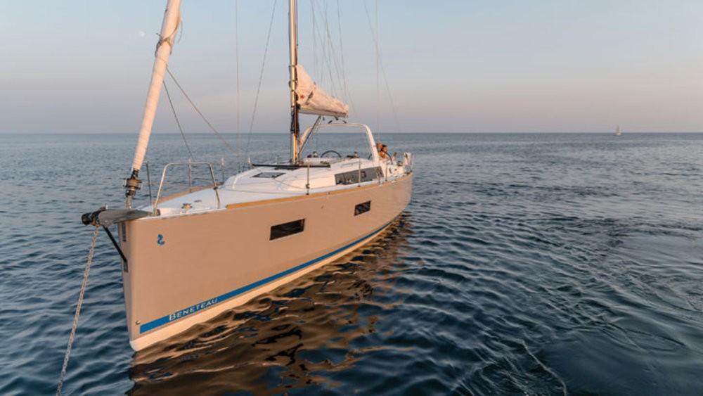 Rental yacht Grad Pula - Bénéteau Oceanis 38 on SamBoat