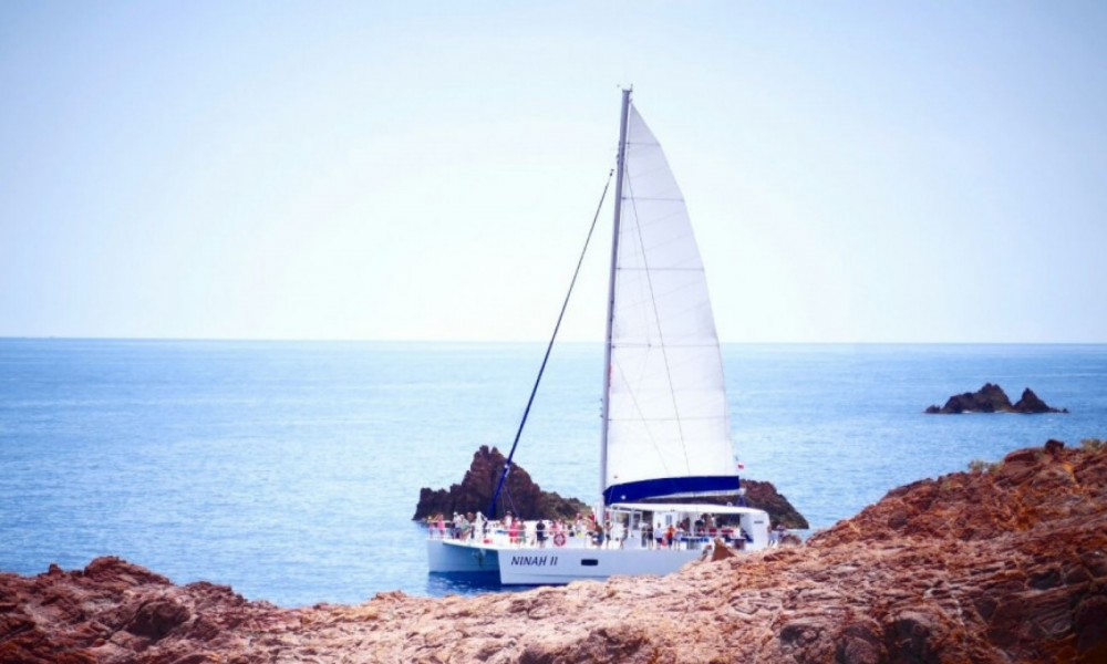 Rental Catamaran Taino with a permit