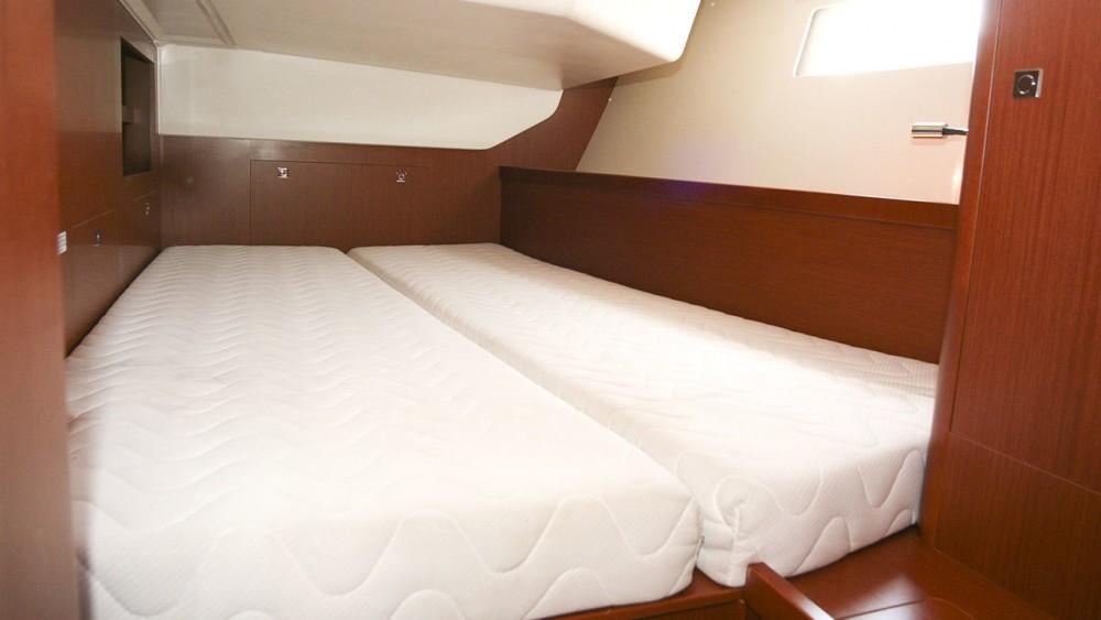 Rental yacht Rogoznica - Bénéteau Oceanis 41 on SamBoat