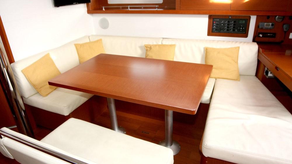 Rental yacht Grad Pula - Bénéteau Oceanis 45 on SamBoat