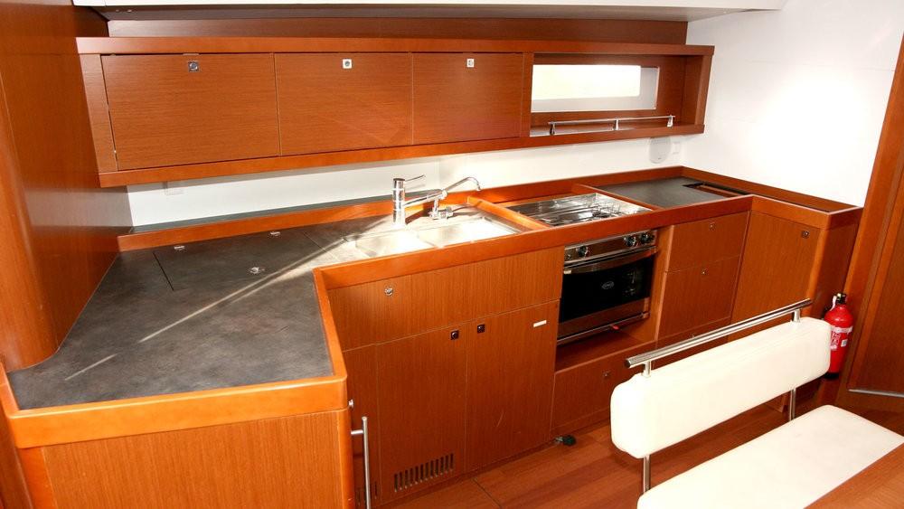 Rental Sailboat in Grad Pula - Bénéteau Oceanis 45