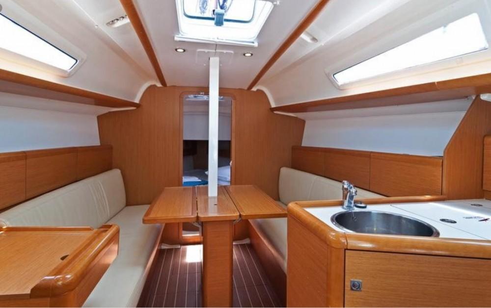 Rental yacht Ko Chang Tai - Jeanneau Sun Odyssey 33i on SamBoat