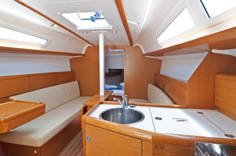 Sailboat for rent Ko Chang Tai at the best price