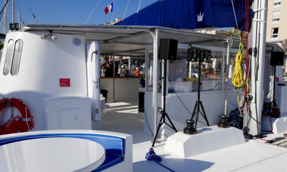 Boat rental Cannes cheap DC 65