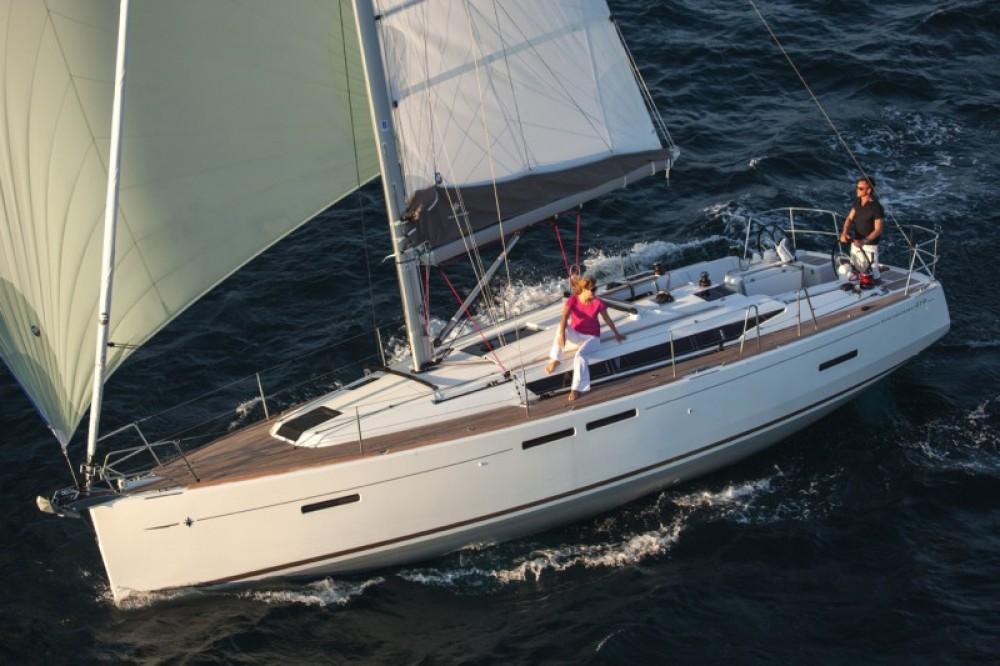 Rental Sailboat in Grad Pula - Jeanneau Sun Odyssey 419