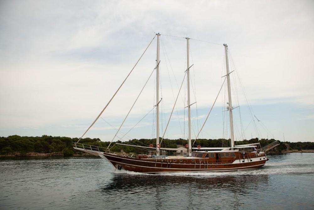 Boat rental  Dolce Vita in Šibenik on Samboat