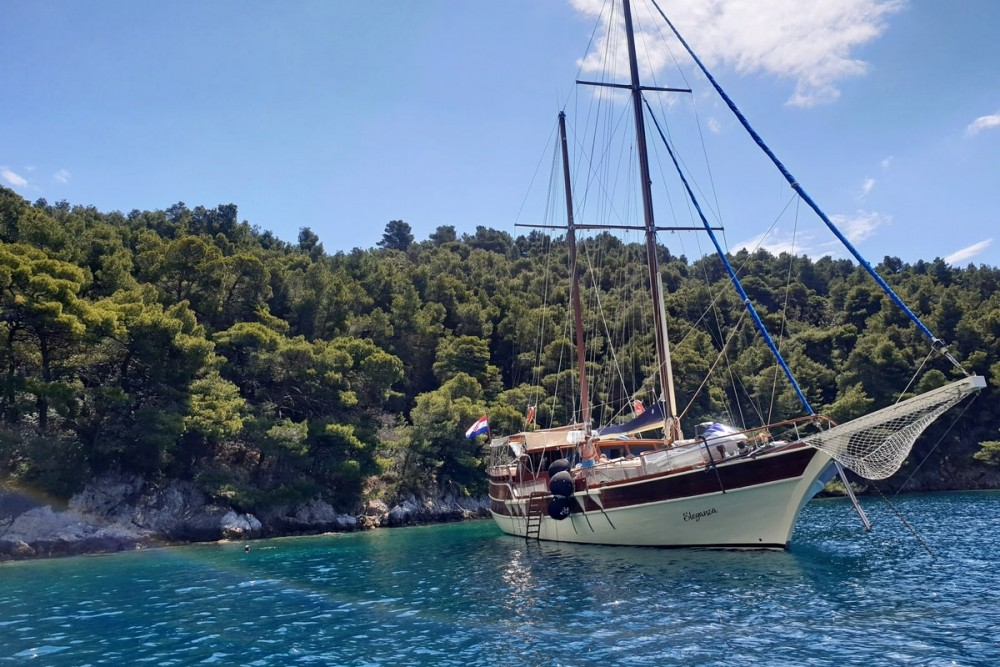 Hire Sailboat with or without skipper Custom Made Split