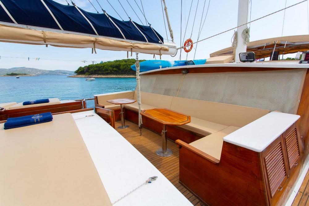 Rental yacht  -  Kadena on SamBoat