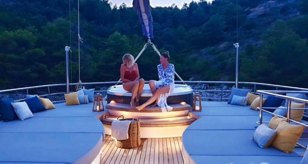 Boat rental Unknown Lady Gita in Croatia on Samboat